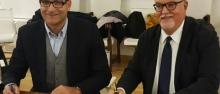La firma dell'accordo ©Aquila Basket