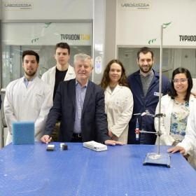 Il gruppo di ricerca del Dipartimento di Ingegneria Industriale UniTrento (Foto ©AlessioCoser)